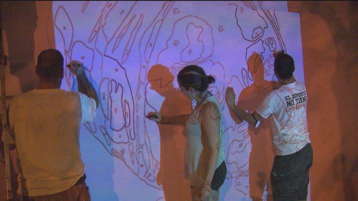Comienza la restauración del mural feminista de Ciudad Lineal
