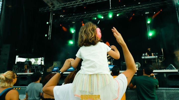 El público del Festival Gigante en Alcalá finalmente tendrá que estar sentado