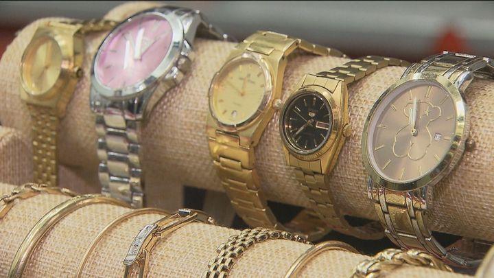 A subasta en Madrid más de 2.000 joyas, relojes y bisutería de la Oficina de Objetos Perdidos