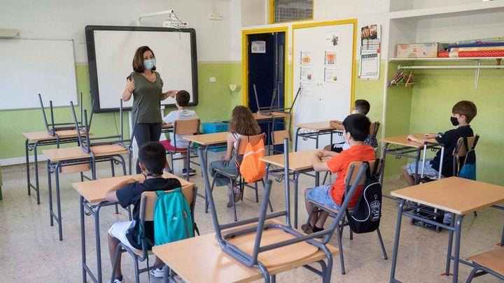 Madrid mantendrá en el futuro gran parte de los 3.000 profesores de refuerzo