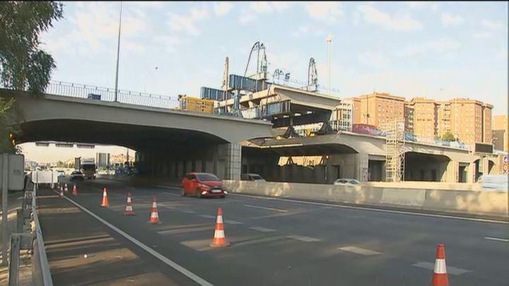 Las obras del puente de la avenida del Mediterráneo sobre la M-30 dejan una imagen espectacular