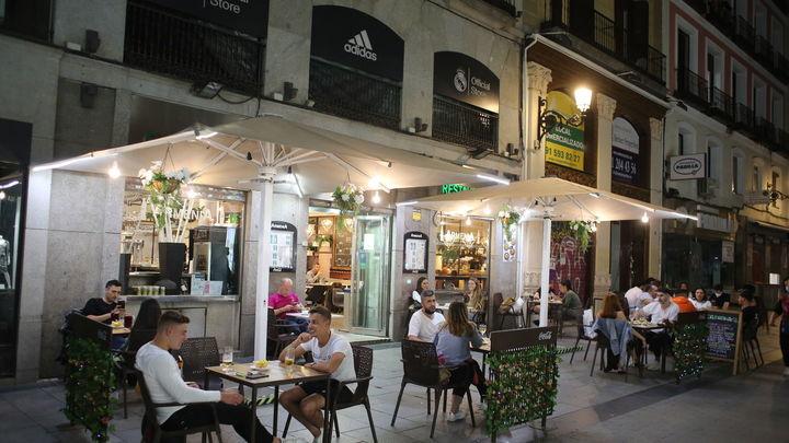 Madrid ve cerca salir del riesgo extremo de contagios y la posibilidad de relajar las restricciones actuales