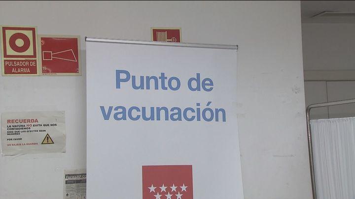 Más de 4.000 personas se vacunan en el primer día sin cita previa en los 11 puntos habilitados en Madrid