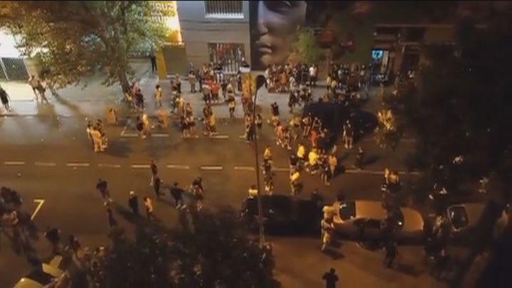 Puñetazos y patadas a la salida de la discoteca en Aluche y peleas a botellazos en Alcalá
