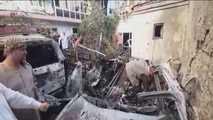Kabul tiembla con un ataque de EEUU contra el Estado Islámico y el impacto de un cohete