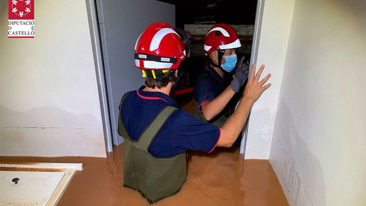 Una tromba de agua deja 150 l/m2 en Benicàssim en una hora, anega viviendas y garajes