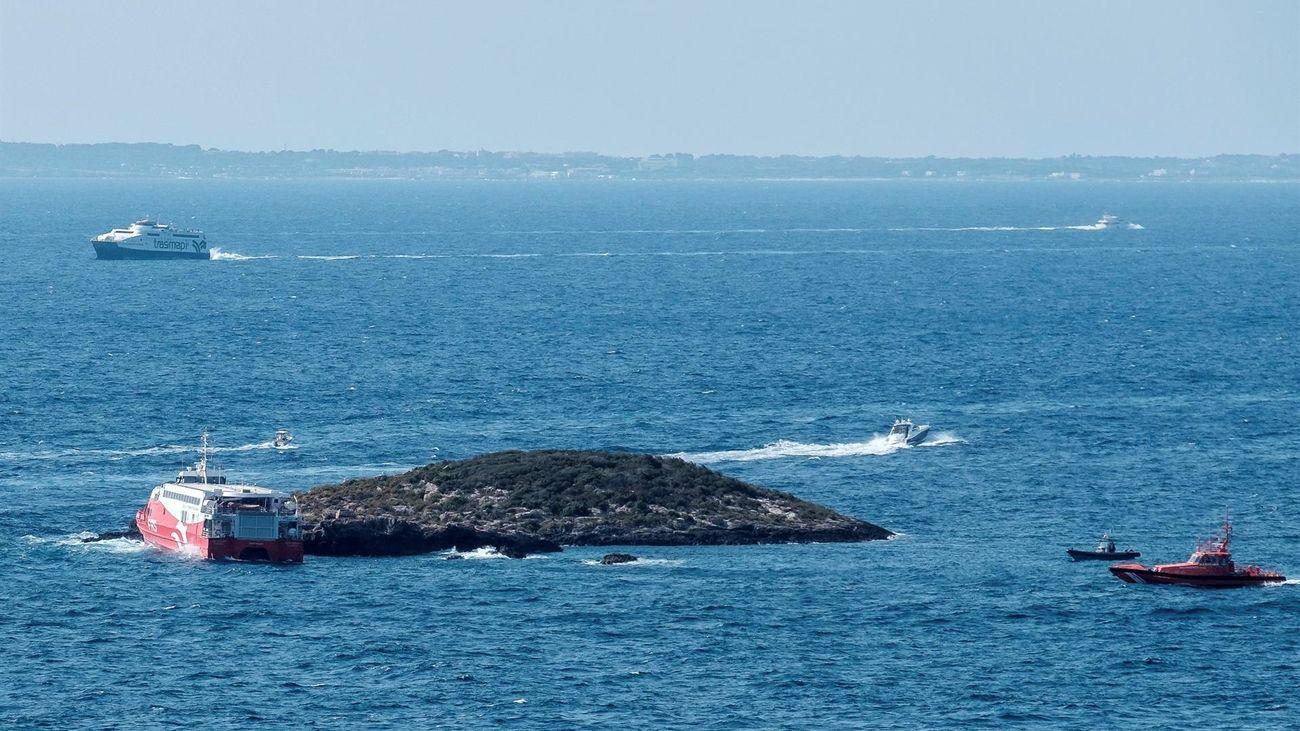 Heridas 25 personas, entre ellas un niño en estado grave, al encallar un ferry en un islote en Ibiza