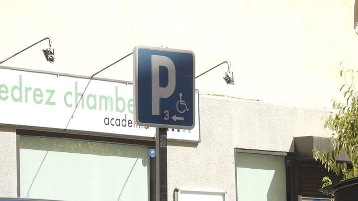 Esto es lo que más complica a las personas con movilidad reducida en la calle