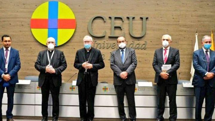 """El 'número dos' del Vaticano pide en Madrid que los políticos busquen el encuentro sin """"eslóganes de propaganda"""""""