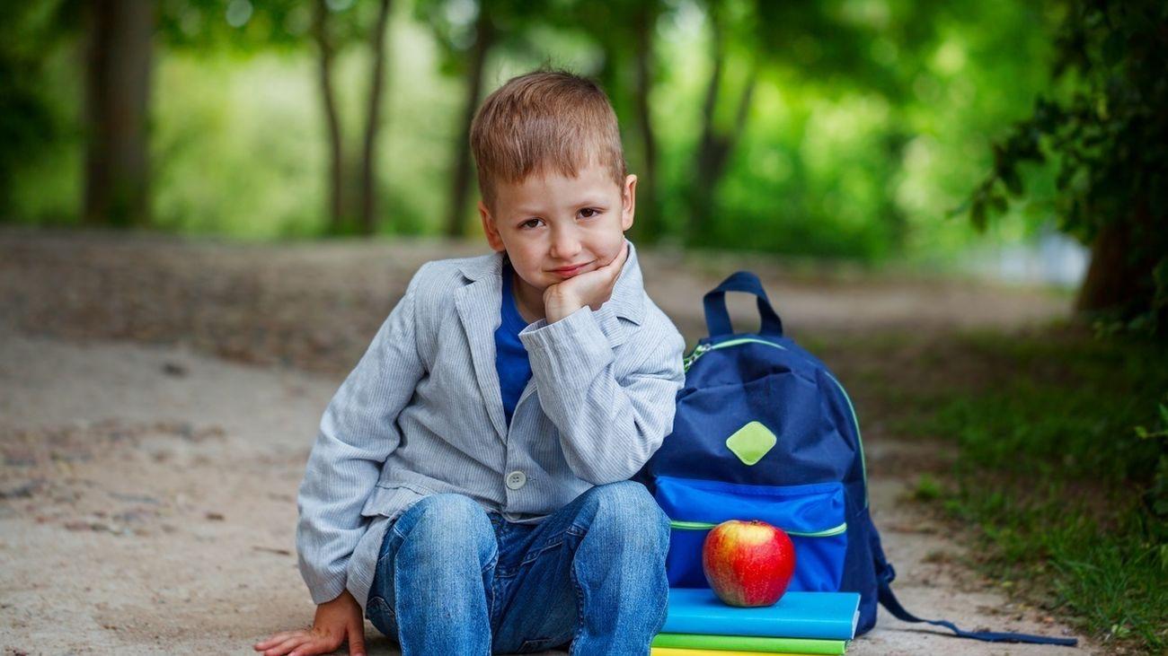 Un niño preparado para la Vuelta al cole