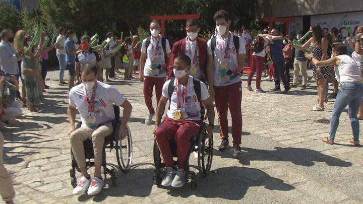 Madrid recibe con orgullo a los paralímpicos españoles y sus 36 medallas