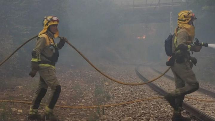 Los incendios de Lugo ya han arrasado unas 1.450 hectáreas y sigue activo el de Ribeira Sacra