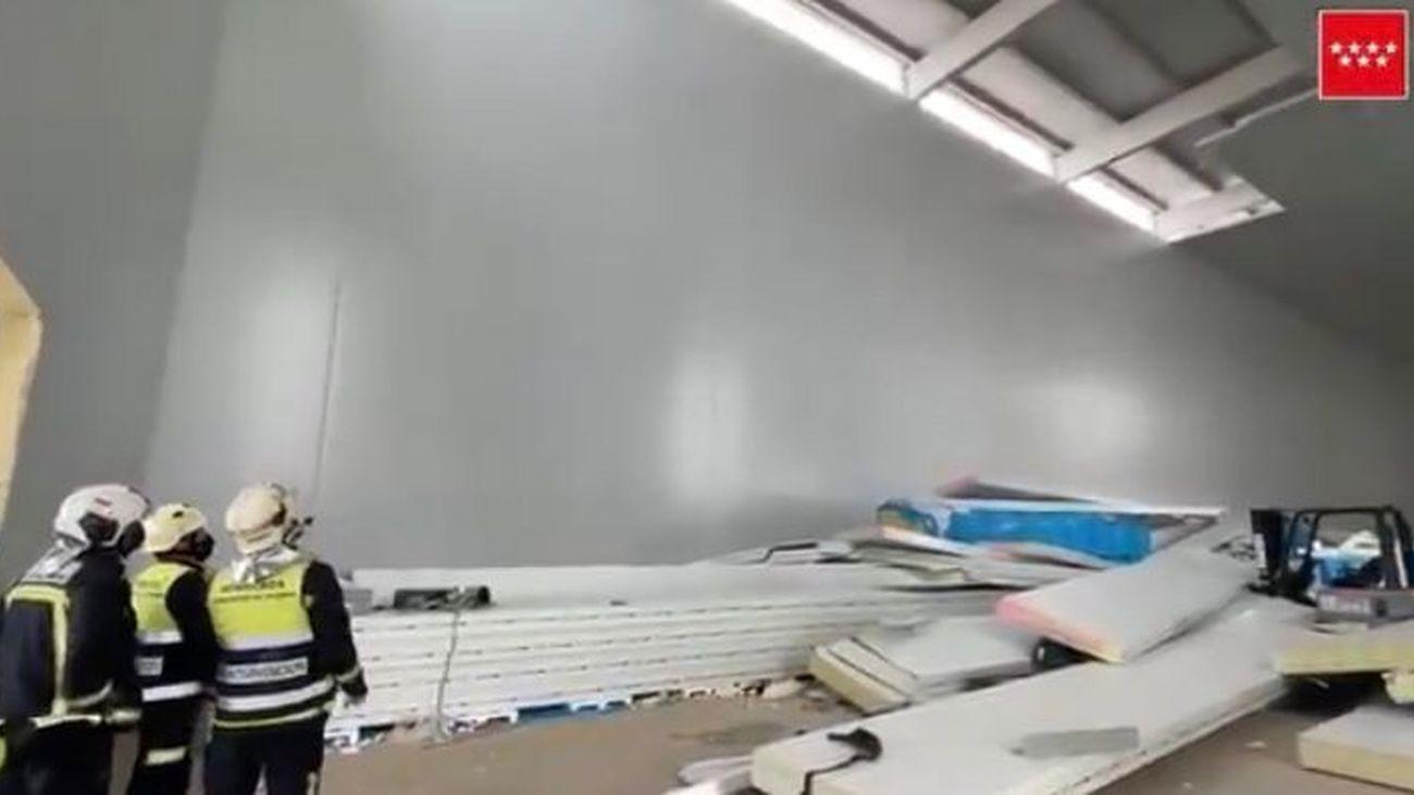 Nave industrial en la que se ha caído parte del techo