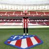 Griezmann se corta el pelo, regresa al Metropolitano y posa con su número '8'