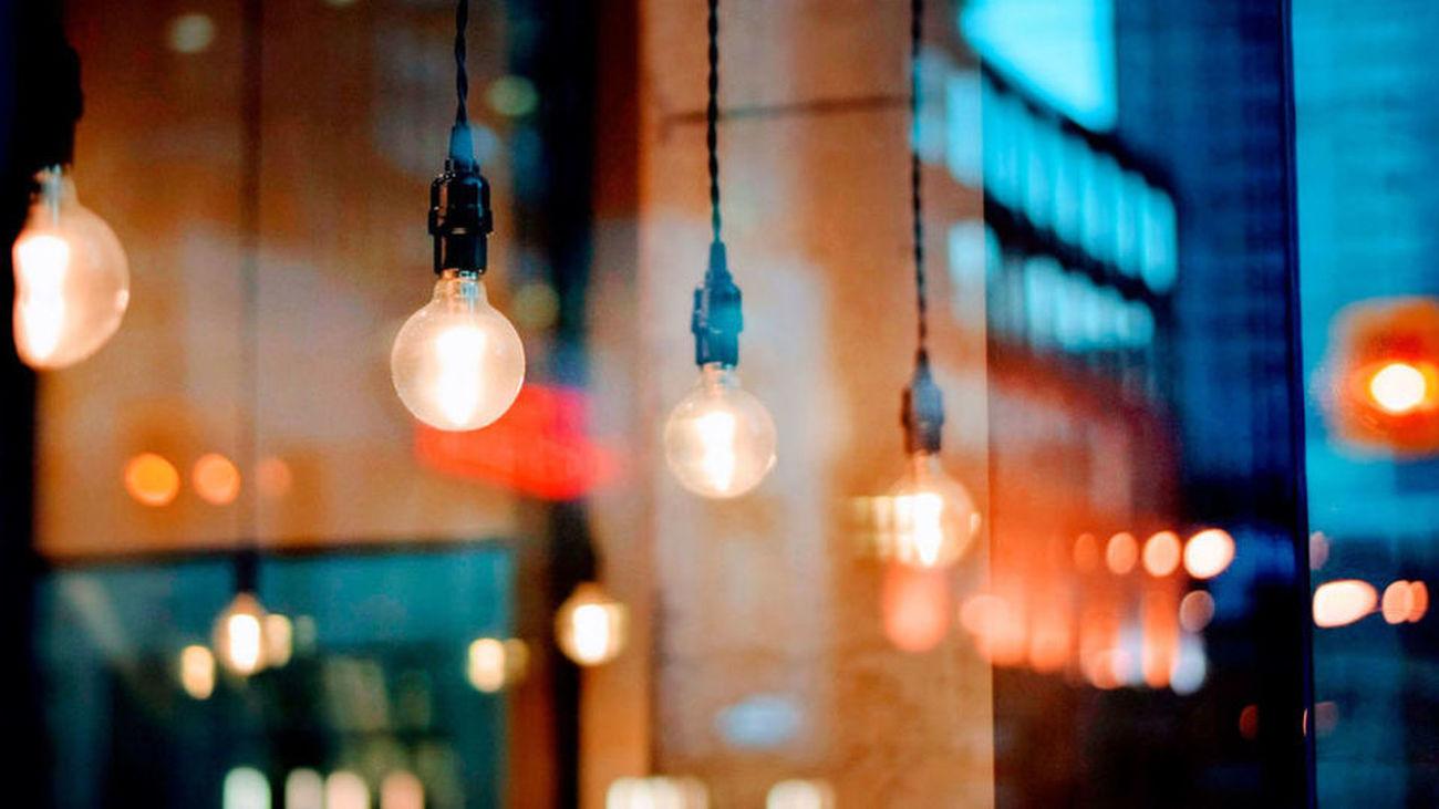 El precio de la luz sigue imparable y suma un nuevo récord
