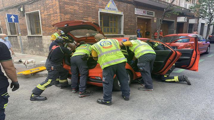 Cuatro heridos, una grave, tras colisionar un bus de la EMT con un turismo en la Guindalera