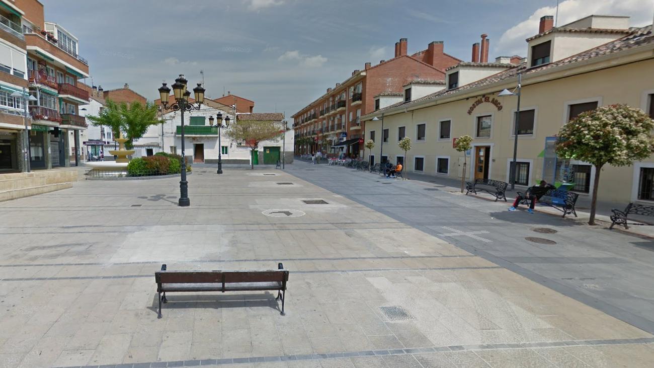 Plaza de España de Mejorada, escenario de la iniciativa 'Comercios Mágicos'