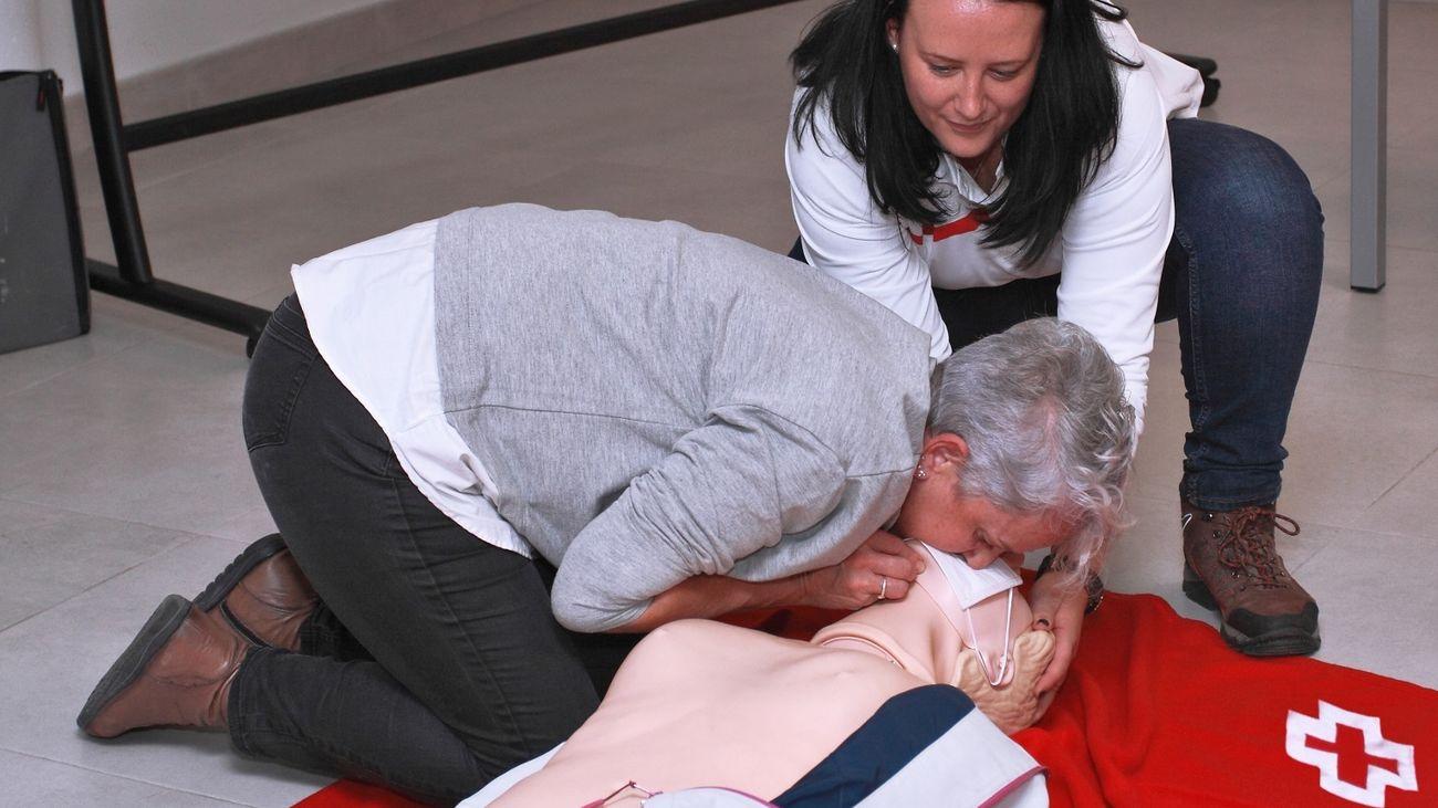 Curso de primeros auxilios impartido por Cruz Roja