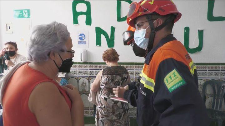 Ordenan el desalojo de Faraján y Pujerra por el incendio de Málaga, mientras la UME se moviliza