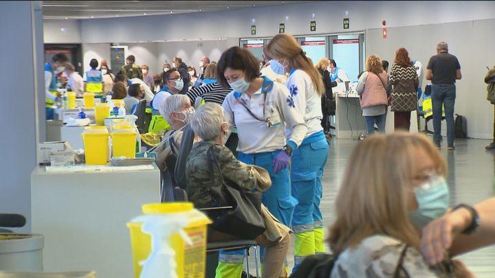 Madrid notifica 570 nuevos positivos con seis defunciones mientras bajan las hospitalizaciones