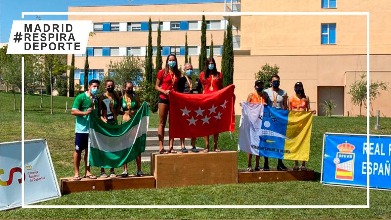 Podio del Campeonato de España cadete femenino de vóley playa