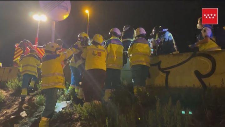 Una joven en estado crítico al ser atropellada en una colisión múltiple en Galapagar, en la A-6