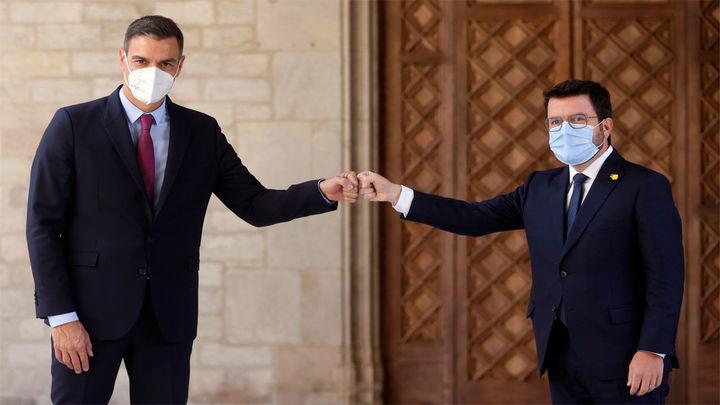 Sánchez se reúne con Aragonès en el Palau de la Generalitat antes de la mesa de diálogo