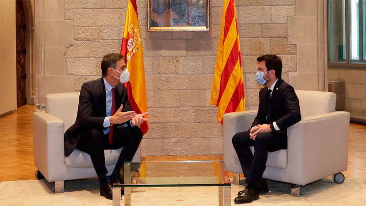 """PP y Cs exigen las actas de la mesa de diálogo para saber """"qué negoció Sánchez con Aragonés"""""""