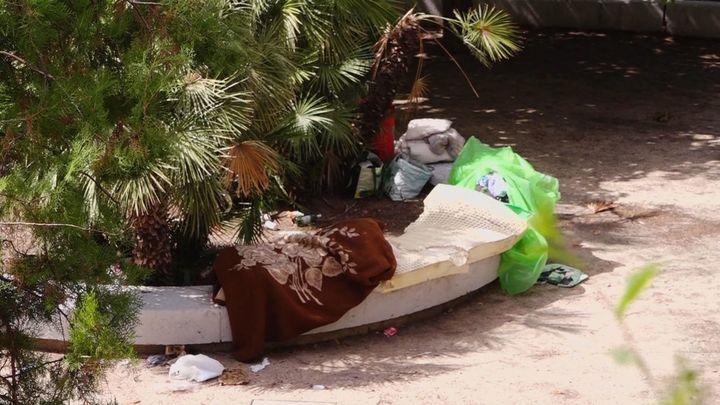 Los vecinos de Arganzuela denuncian un asentamiento ilegal en un parque infantil del barrio