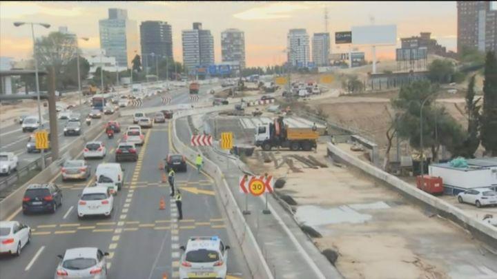Los nuevos cortes de tráfico en el Nudo Norte dejan con un solo carril la salida por la Castellana