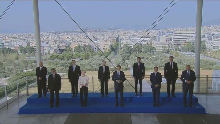 Sánchez reclama una solución europea común al alza del precio de la luz y una UME europea