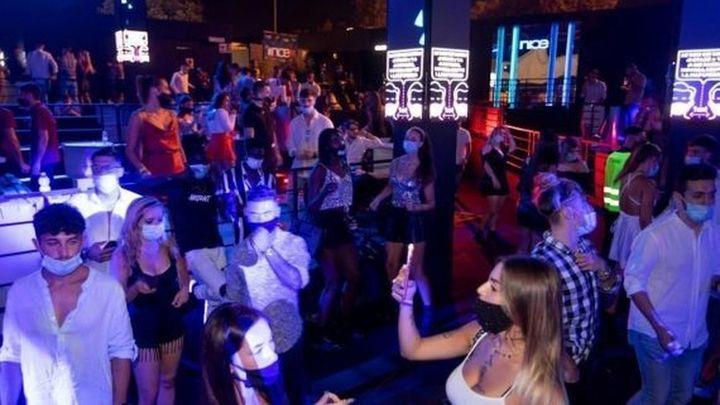 Las discotecas de Madrid no ven rentable abrir este primer domingo