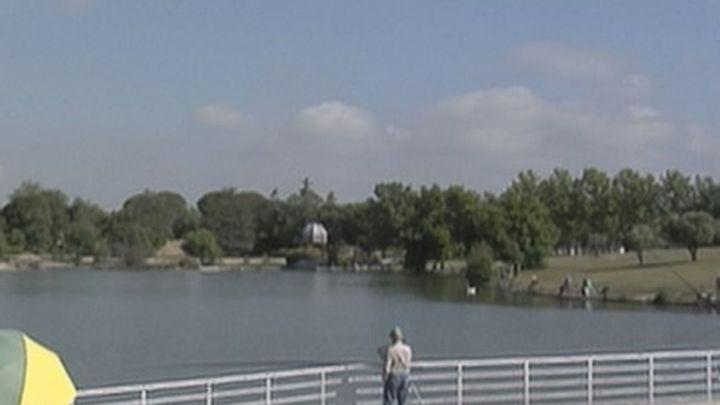 Encontrado el cadáver de una mujer en el lago de Polvoranca, en Leganés