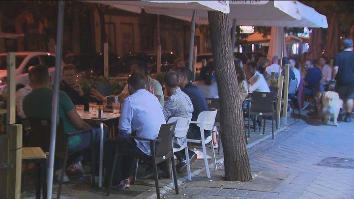Desmadre y fiestas hasta altas horas de la noche en las terrazas Covid de Chamberí