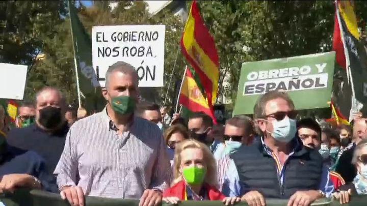 """Abascal encabeza una protesta contra """"el atraco de la luz"""" del que culpa al Gobierno"""