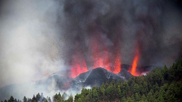 Evacuadas ya en La Palma cerca de 4.000 personas por la erupción del volcán de Cumbre Vieja