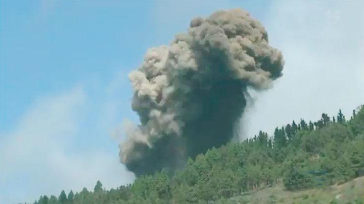 El volcán de La Palma de la zona de La Mancha entra en erupción