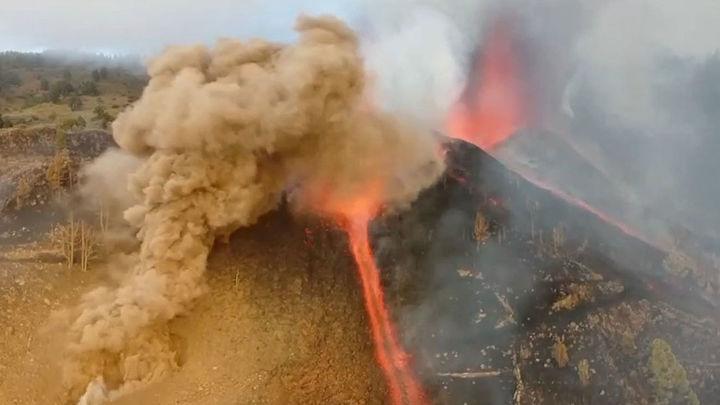 Recuperados los vuelos desde y hacia La Gomera por la repercusión de la erupción