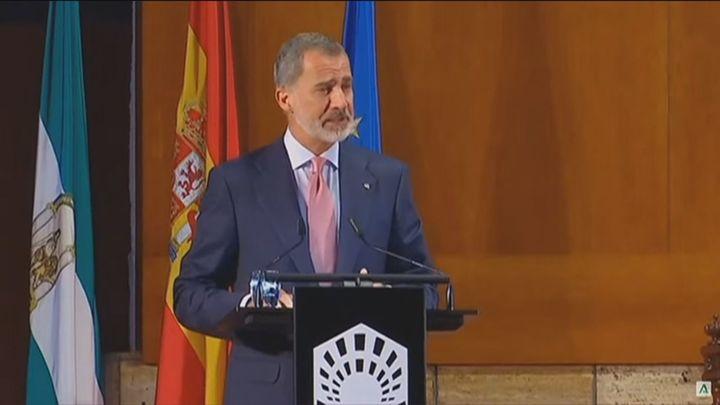 """El Rey traslada su """"ánimo"""" a los habitantes de La Palma y agradece la labor de los servicios de emergencia"""