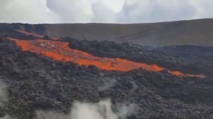 ¿Cómo se produce una explosión de lava?