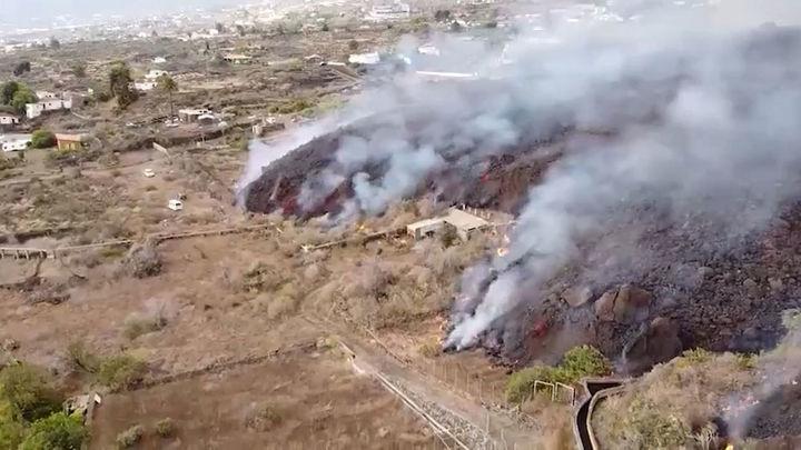 Alarma en La Palma por la emisión de gases tóxicos cuando la lava llegue al mar
