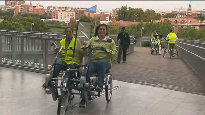 Bicicletas adaptadas para todos en Madrid Río