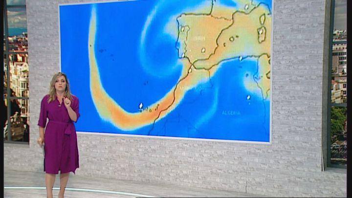 La nube de azufre del volcán de La Palma llegará a la península en unos días