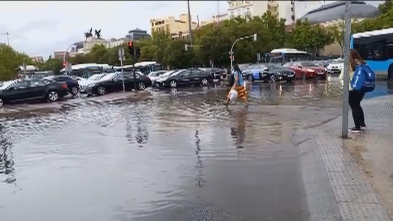 Tarde complicada en Madrid por las fuertes tormentas