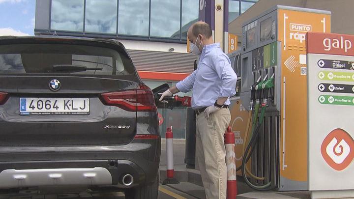 La gasolina sube un 0,56%, el diésel un 0,7% y encadenan tres semanas consecutivas de ascensos