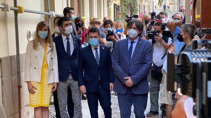 Puigdemont acusa a Sánchez de dialogar solo con quienes le apoyan en el Parlamento