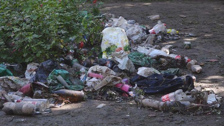 Suciedad y restos de botellón en Chamartín