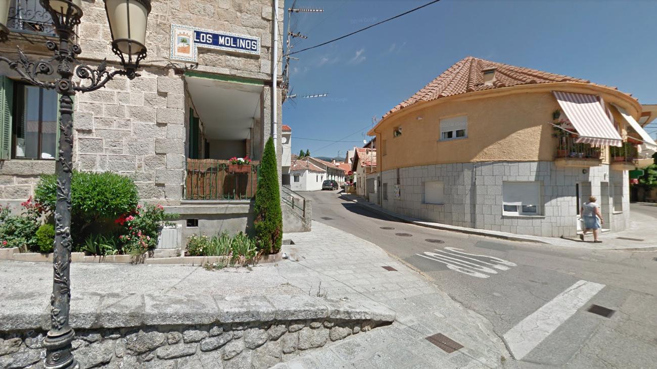 Llega el alumbrado público a varias calles de Los Molinos