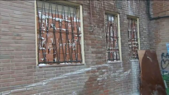 Los camellos desalojados de los narcopisos de San Dalmacio se  instalan en un descampado