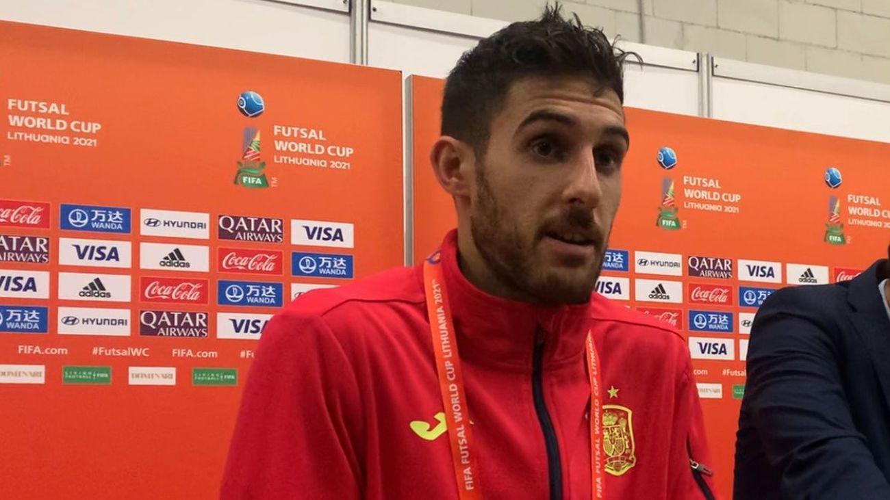 """Adolfo, tras la eliminación del Mundial de fútbol sala: """"Estamos muy dolidos"""""""